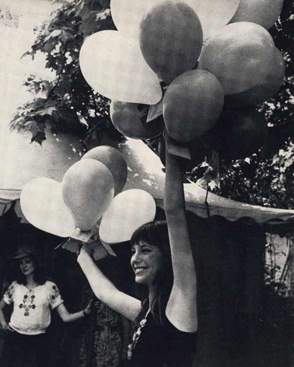 Jane Birkin and balloons
