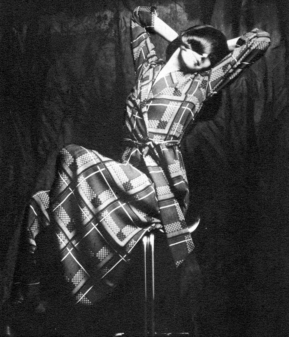 dressing-gowns-steve-hiett-flair-dec-71-9
