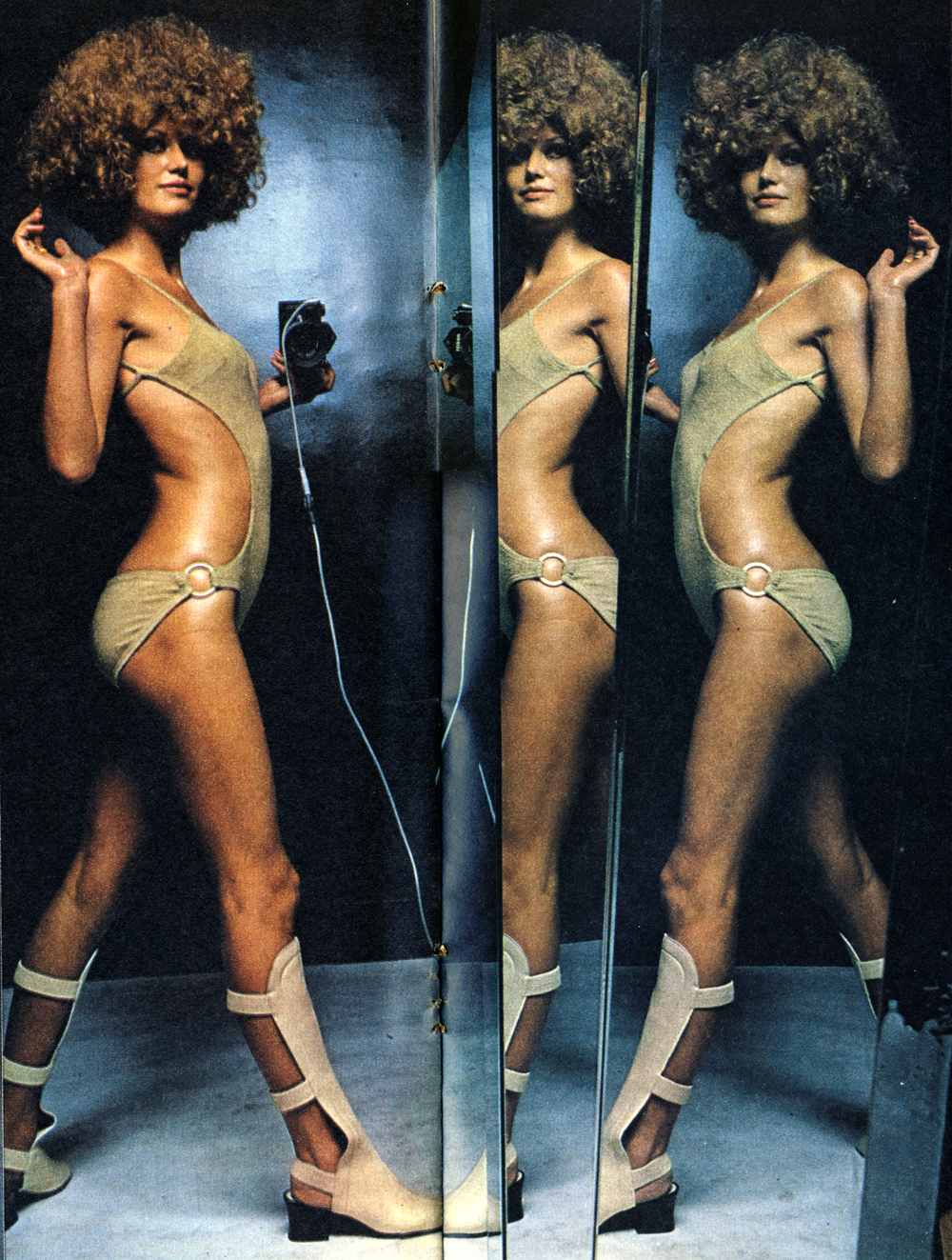 Mirror Mirror - Helmut Newton - Observer April 69 - 4